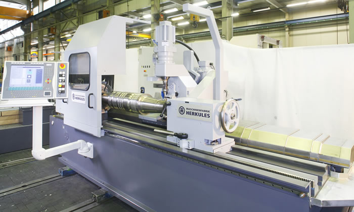 Notch milling machine with intuitively operable panel